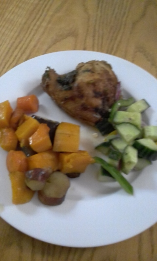 Grilled chicken with veg and salad