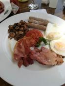 Egg, bacon, sausage and mushrooms